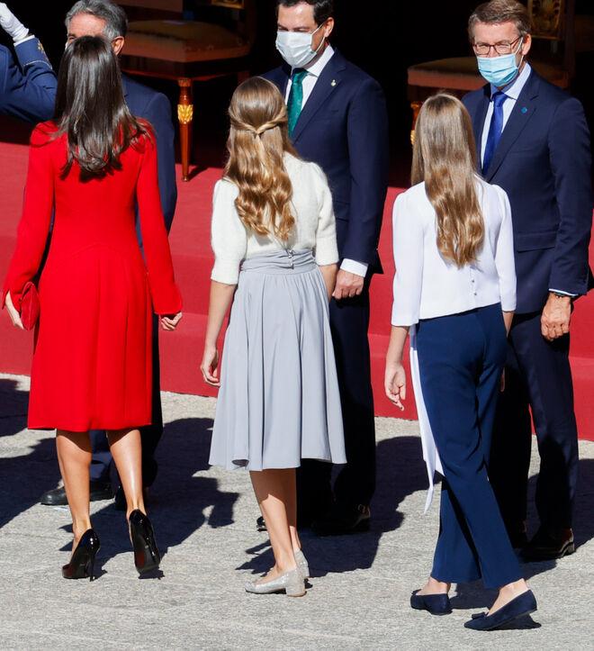 Looks por detrás de la reina, la infanta y la princesa