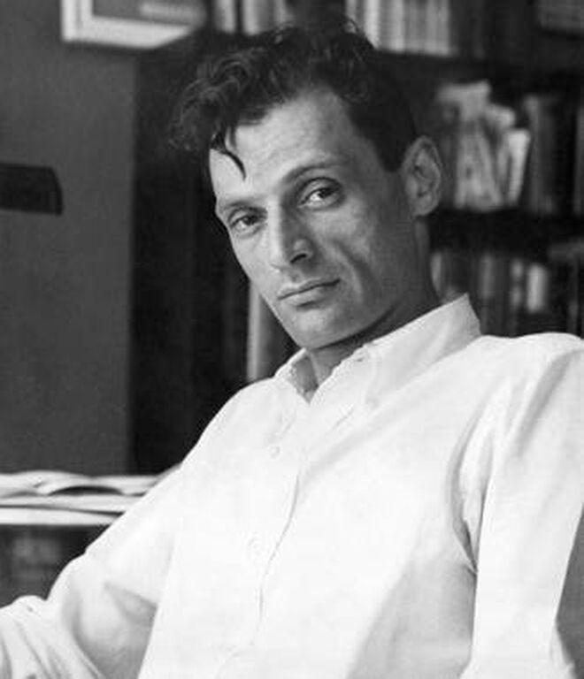 Con solo 33 años, Miller ganó en 1949 el premio Pulitzer por 'Muerte de un viajante'. La obra 'Panorama desde el puente' (1955), le valdría un segundo Pulitzer.