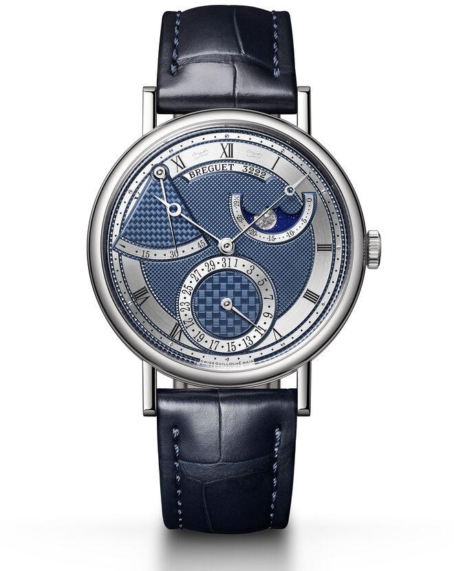 El segundo Classique, (ref. 7137) se inspira en el reloj de bolsillo Perpétuelle N° 5.