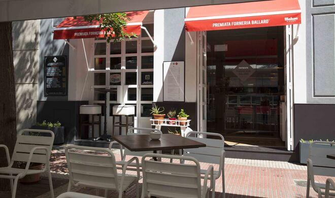 La terraza del restaurante siciliano en Chamberí, cerca de la calle Ponzano.