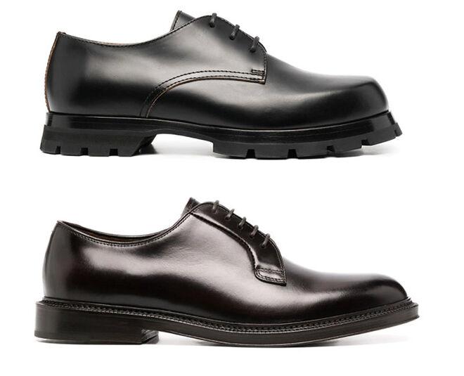 Arriba, zapato de suela gruesa, de Jil Sander. Abajo, de puntera redonda y tacón cuadrado, de Henderson Baracco.