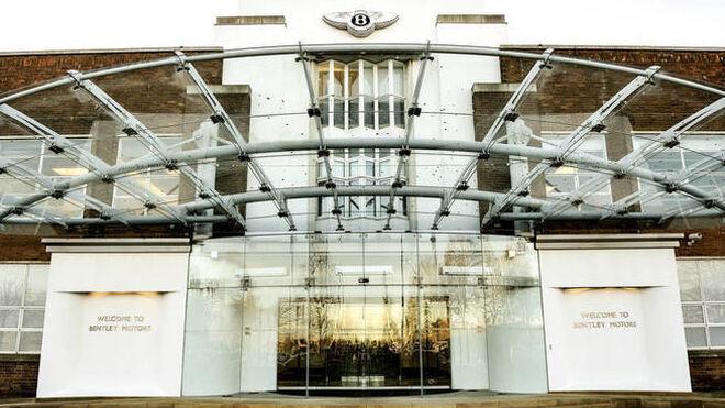Imagen de la entrada de la fabrica de Bentley en Crewe.