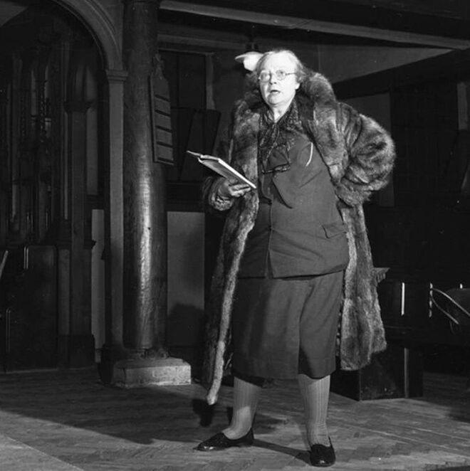 La escritora Dorothy L. Sayers.