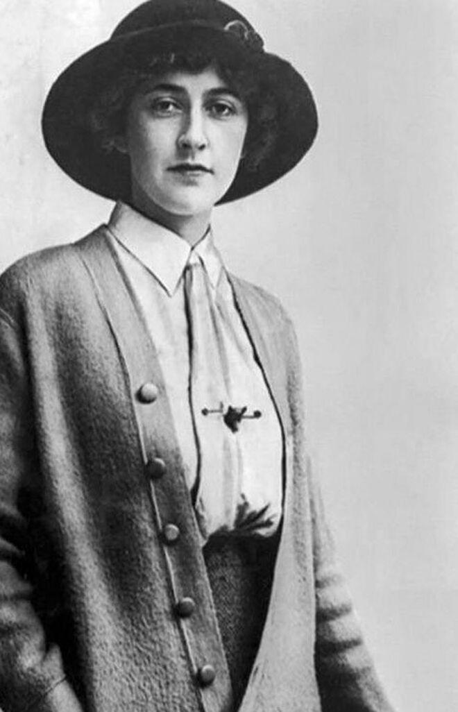 En la imagen, una joven Agatha Christie.