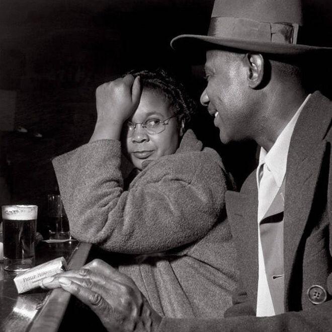 La inclusión de la mujer en el mundo laboral volvió normal su asistencia a bares para disfrutar, igual que ellos, de una deliciosa cerveza después de un día de trabajo.