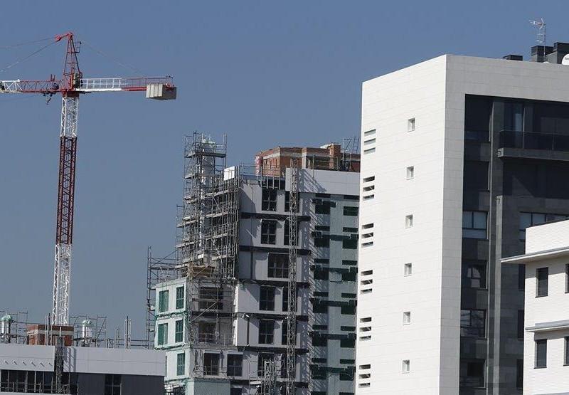 España acumula el doble de viviendas sin vender que hace un año