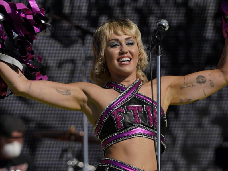 Miley Cyrus en la Super Bowl