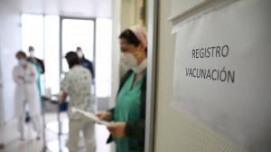 España ha suministrado alguna dosis a ocho millones personas, el 17% de la población