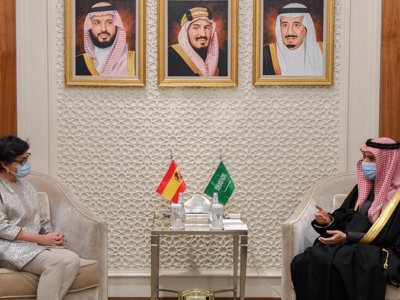 Sánchez busca inversiones del fondo soberano saudí para rescatar empresas españolas
