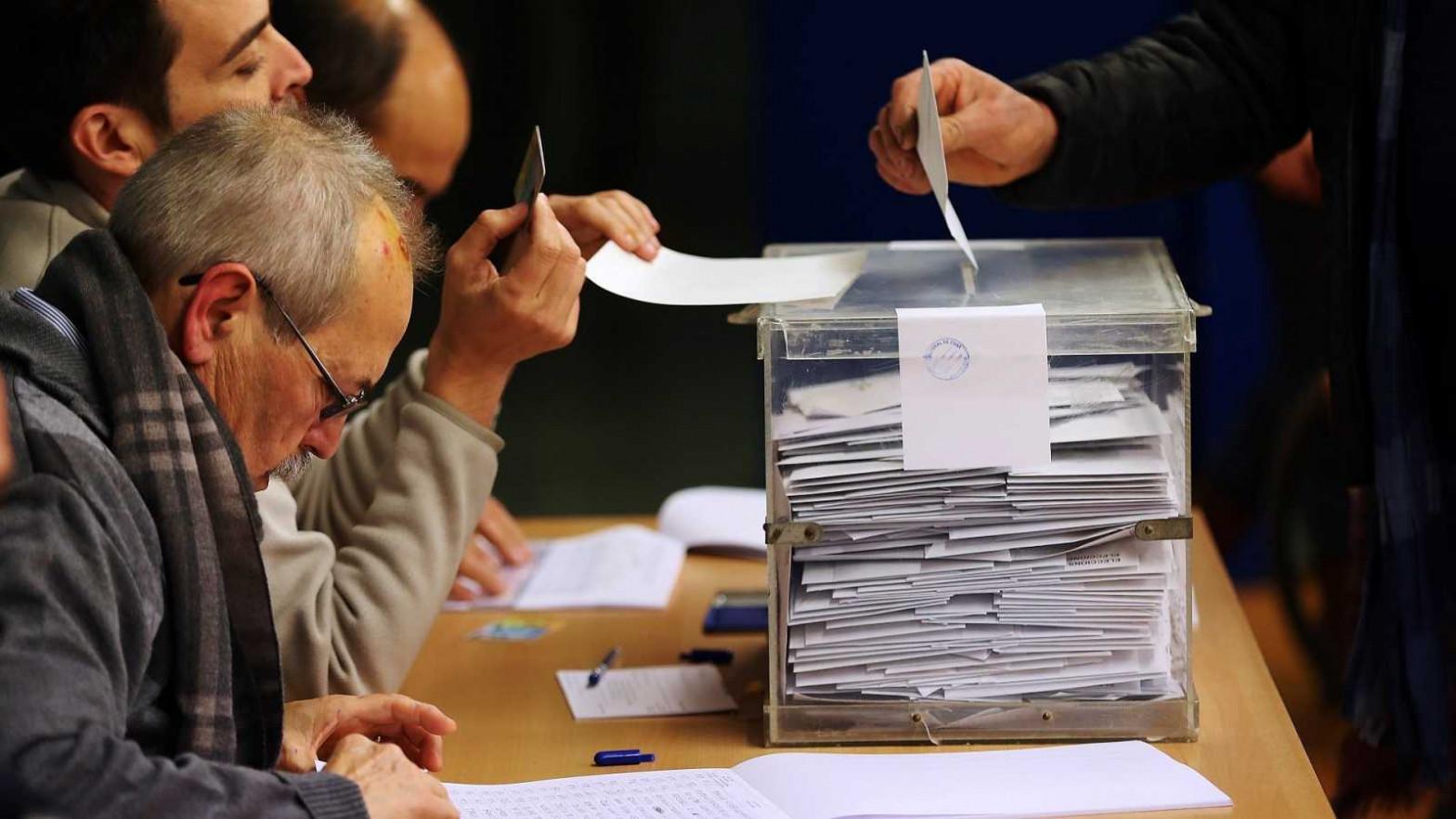 Cómo se votará en las elecciones catalanas del 14-F: las claves de la jornada electoral