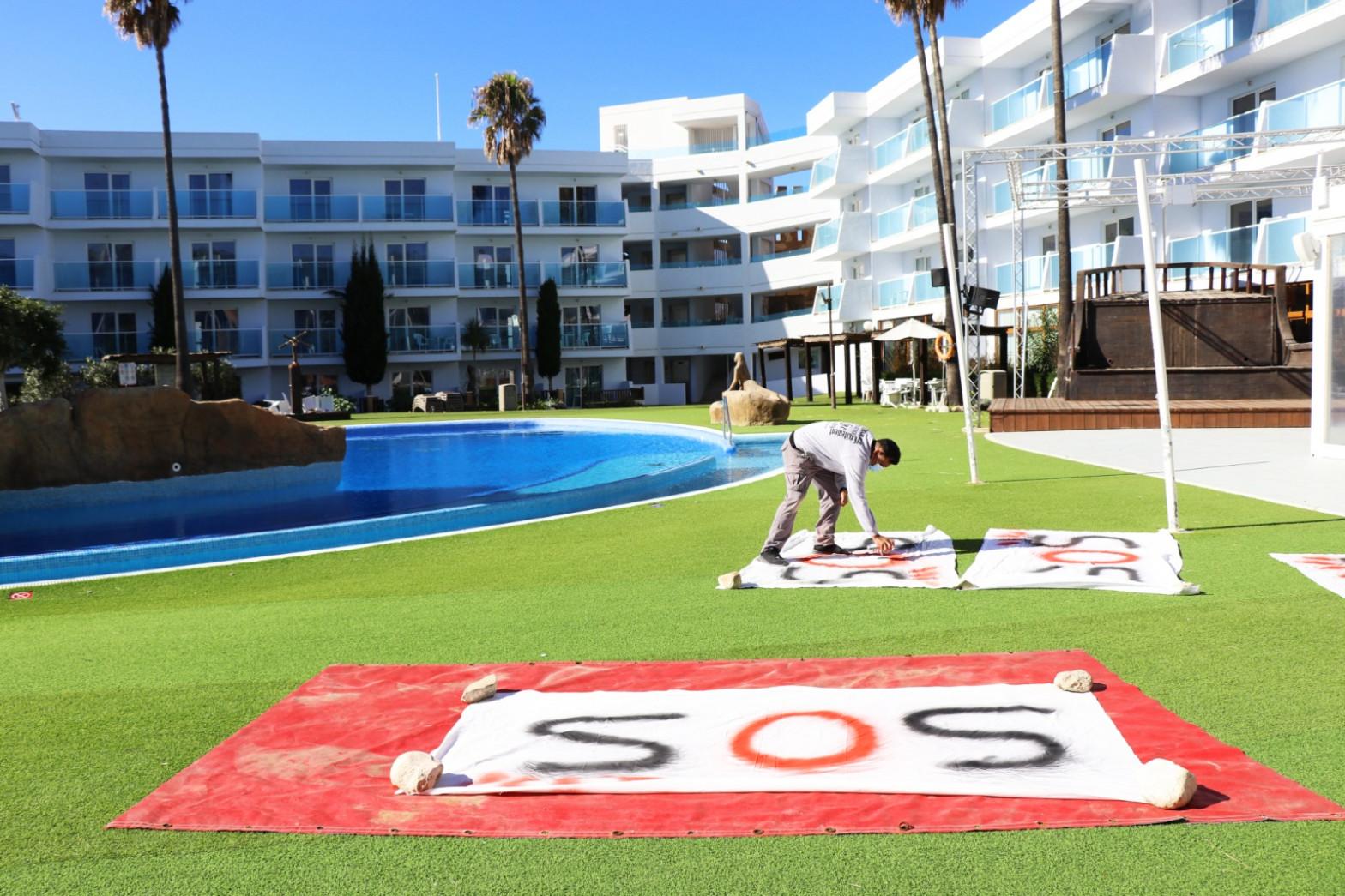 Pancartas SOS Turismo.