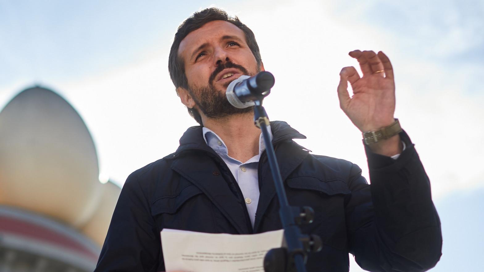 El PP esquiva su desaparición en Cataluña con el peor resultado en democracia