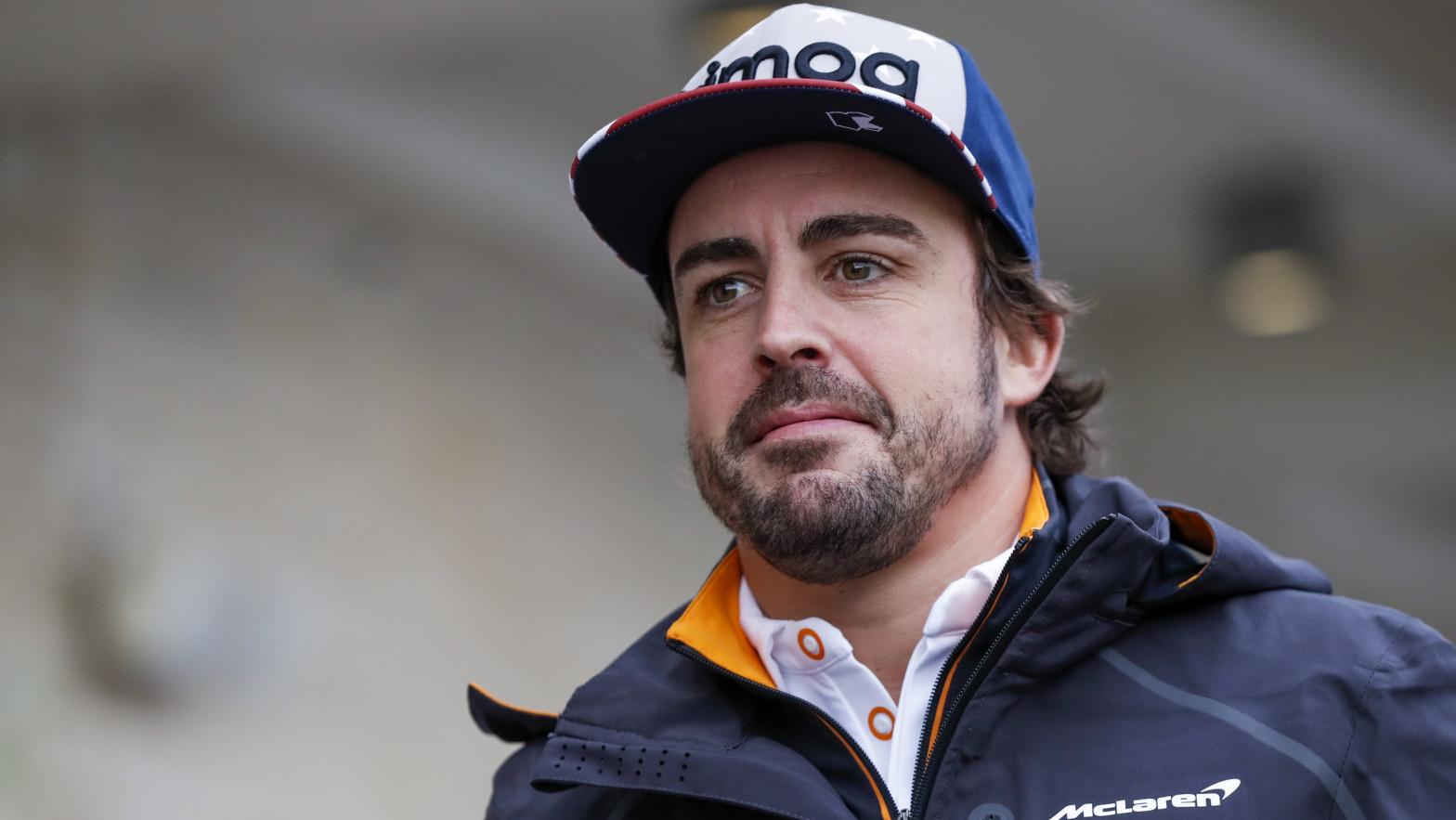 El piloto Fernando Alonso ya está en casa tras su accidente de la pasada semana