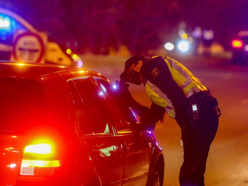 Controles policiales en la Comunidad de Madrid por las nuevas medidas de restricción.