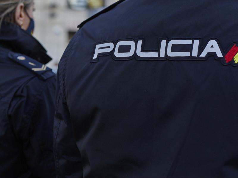 Detenidos seis extranjeros por retener a cuatro chicas e intentar abusar de una de ellas