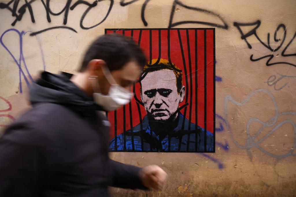 Un cartel del líder opositor ruso Alexei Navalni