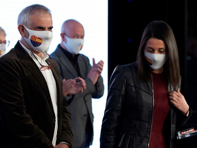 Carlos Carrizosa e Inés Arrimadas tras las elecciones catalanas