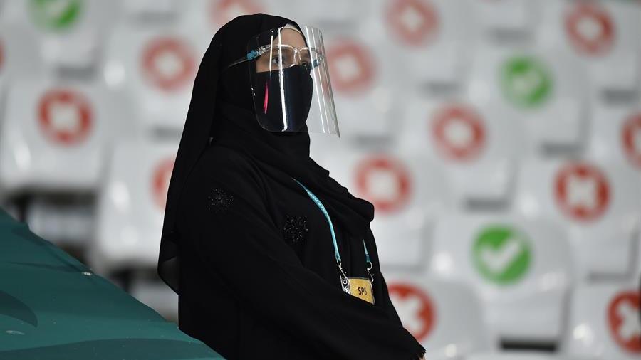 De Qatar queremos su dinero aunque no nos gusten sus modales ni sus atropellos