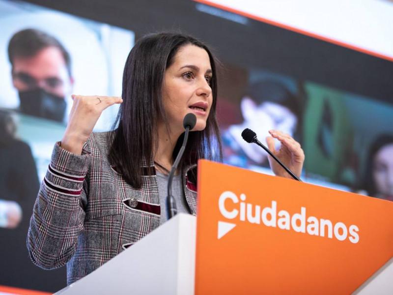 Arrimadas se reunirá con Mañueco tras las amenazas del PSOE con una moción de censura