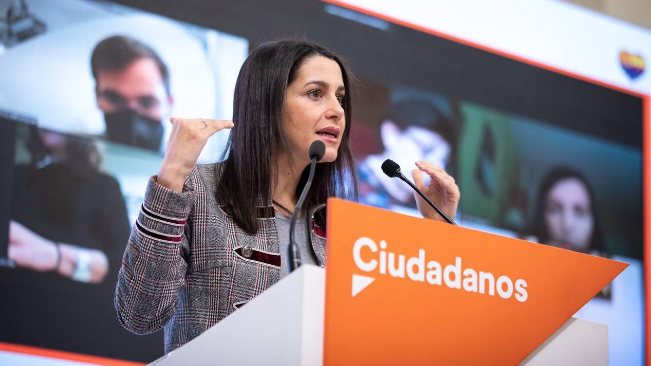Dirigentes de Ciudadanos preparan una moción interna para sacar a Arrimadas de la presidencia