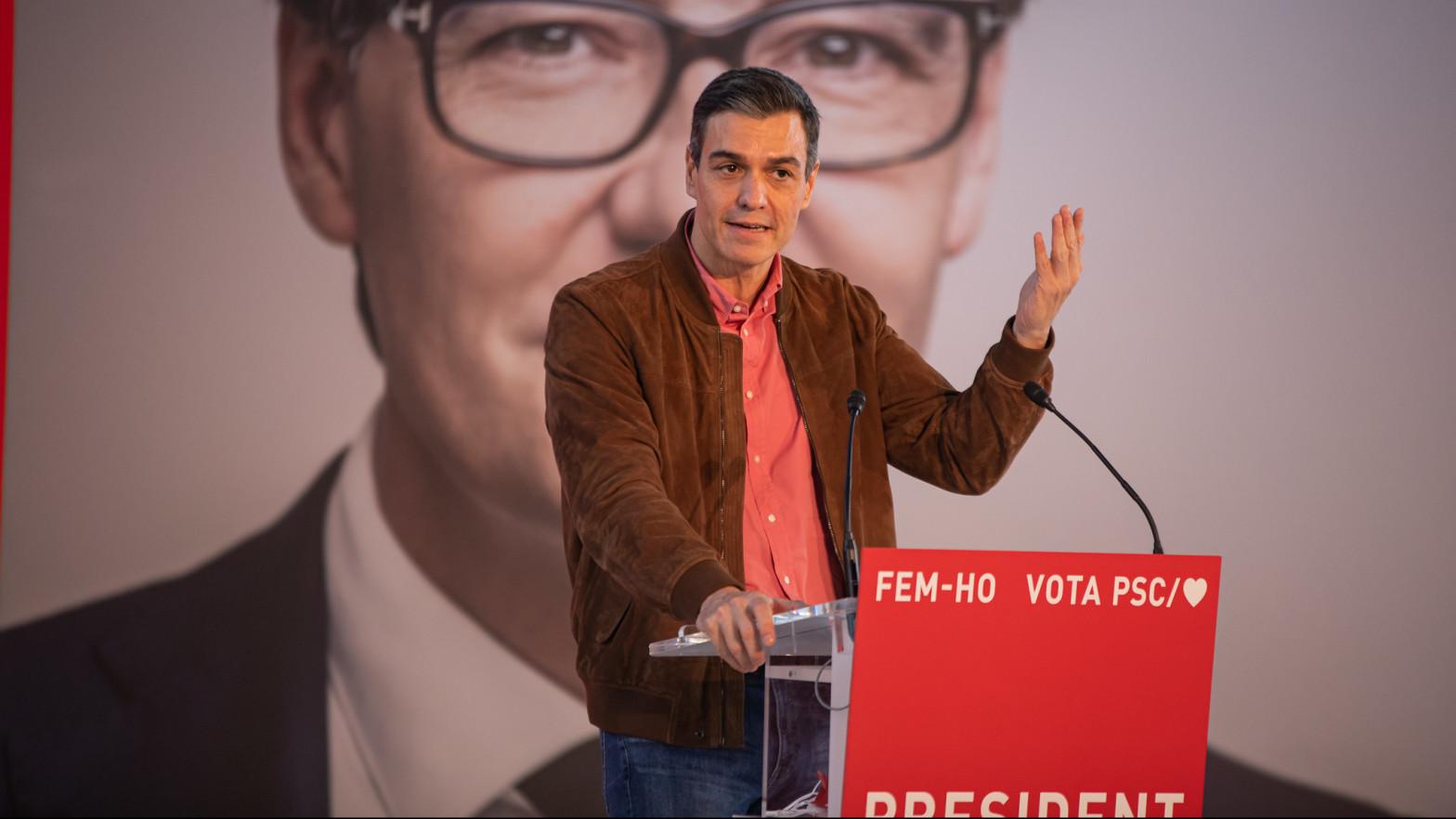 Sánchez, en la campaña de Salvador Illa.