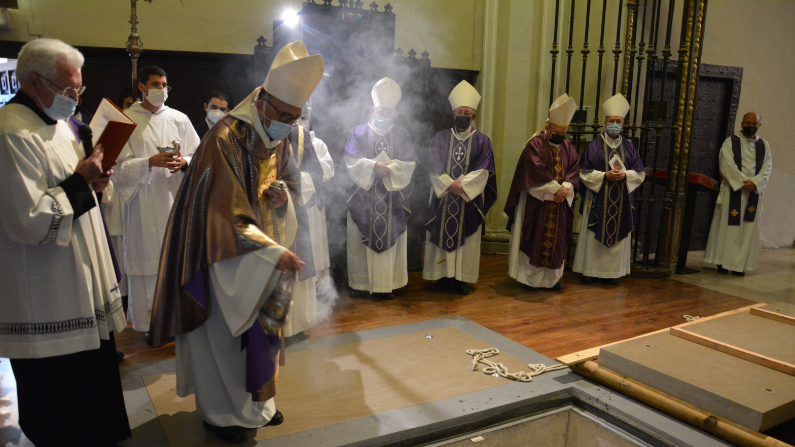 La Iglesia española defiende que ha inmatriculado los bienes del pueblo católico