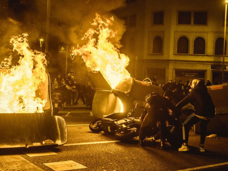 La Policía detecta en las protestas por Hasel a jóvenes sin carga ideológica mezclados con antisistema violentos