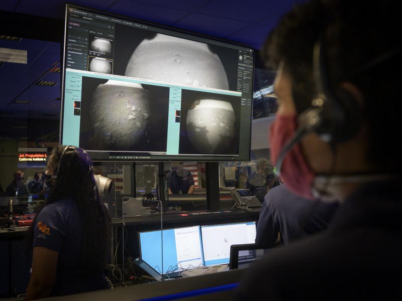 Reciben en la NASA las primeras imágenes del Perseverance