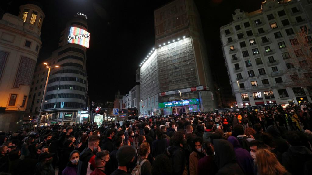 Centenares de personas se han congregado pacíficamente en Madrid este sábado para protestar por el encarcelamiento de Pablo Hasel.