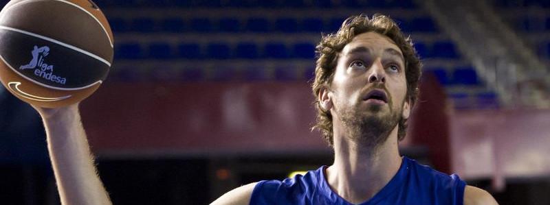 El jugador de baloncesto Pau Gasol jugará en el Barça hasta final de temporada.