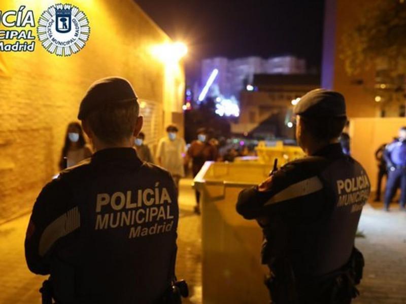 Dos agentes de la Policía Municipal de Madrid, en una imagen de archivo.