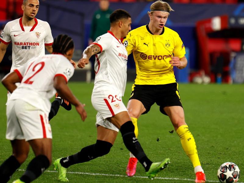 Partido de Champions entre el Sevilla y el Borussia de Dortmund.