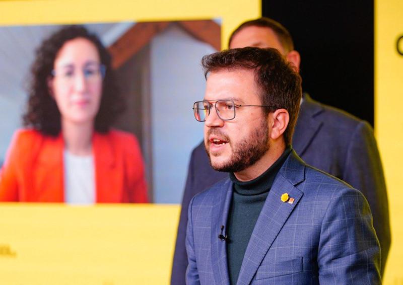 ERC busca el apoyo de la CUP con un pacto contra Vox