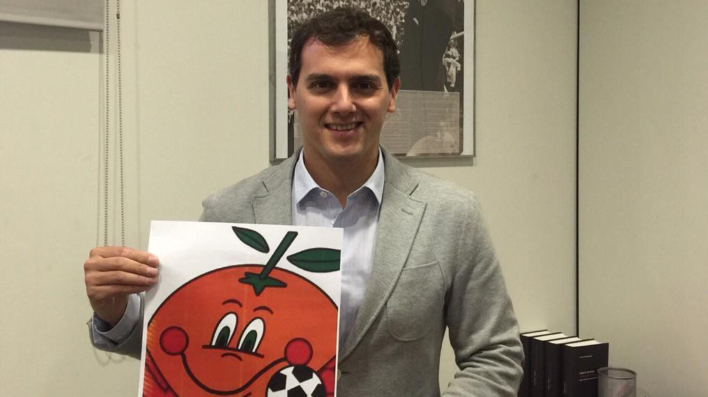 Albert Rivera, el celestino que unió a El Ganso y Rubiales para relanzar la marca Naranjito