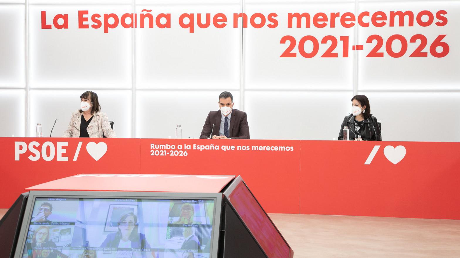 Sánchez prohíbe al PSOE acudir a las marchas del 8-M para no dar munición al PP