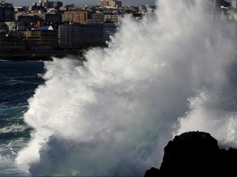 Llega un frente atlántico que dejará viento fuerte en Galicia y Canarias
