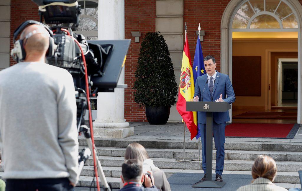 El presidente del Gobierno, Pedro Sánchez comparece tras participar en la reunión del Consejo Europeo extraordinario.