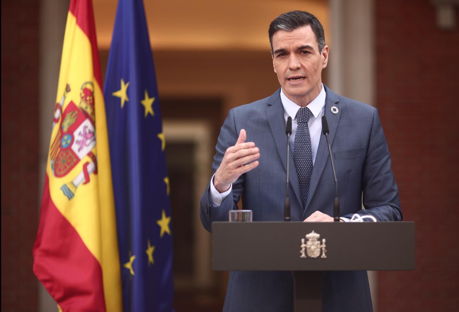 """Sánchez rechaza las """"conductas incívicas"""" del Rey emérito, pero elogia la ejemplaridad de Felipe VI"""