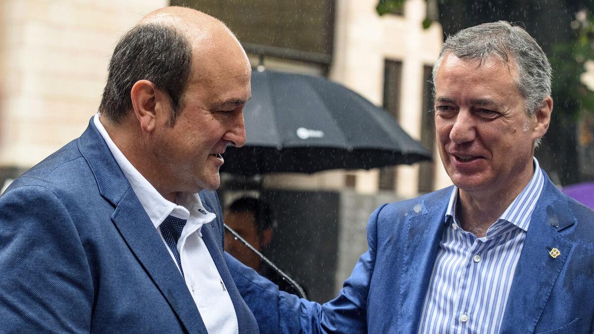 Urkullu y Ortuzar siguen como 'poli bueno' y 'poli malo' del PNV otros cuatro años