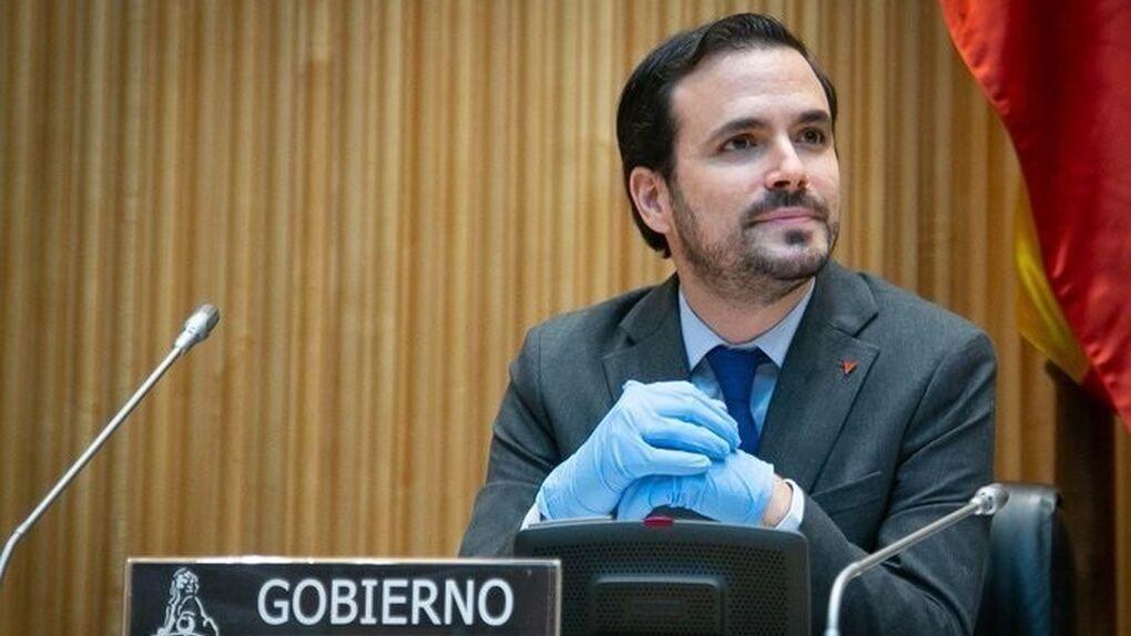 """Alberto Garzón insiste en nacionalizar empresas: """"Es una herramienta disponible"""""""