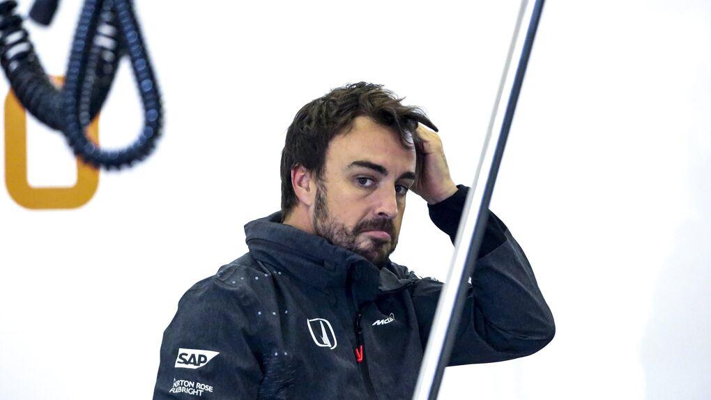 Lo que pasa por la cabeza de Alonso: 'Ay, si en Mercedes estuviera yo en vez de Bottas...'