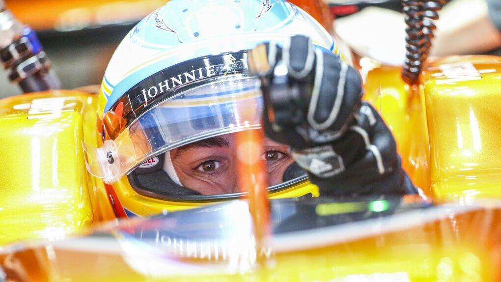 """Alonso, un """"animal"""" pilotando... y atizando: """"Segundo milagro que hago"""""""