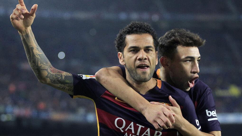 El Barça de los 'valors' golea al Villanovense (6-1) y  juega 12 minutos con diez para reservar a sus estrellas