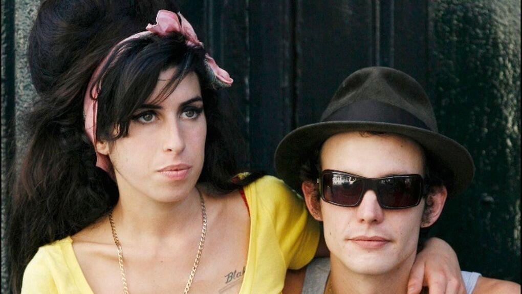 El ex de Amy Winehouse acusa a su antiguo suegro de falsificar firmas