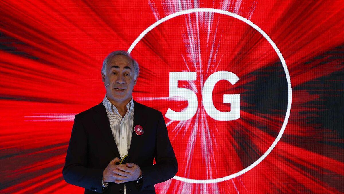 Vodafone España ingresa por servicio 957 millones en su tercer trimestre fiscal