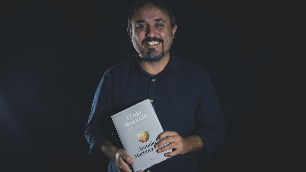 Antonio Martínez Ron gana el premio Concha García Campoy por su labor en el periodismo científico