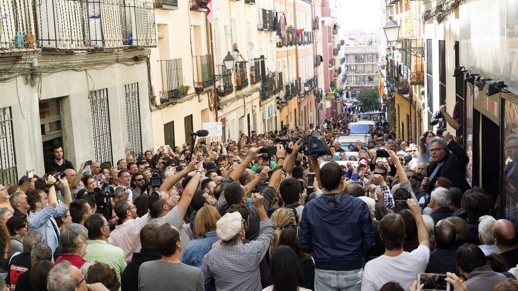 Los pro referéndum copan el Teatro del Barrio de Madrid con el apoyo de Esquerra