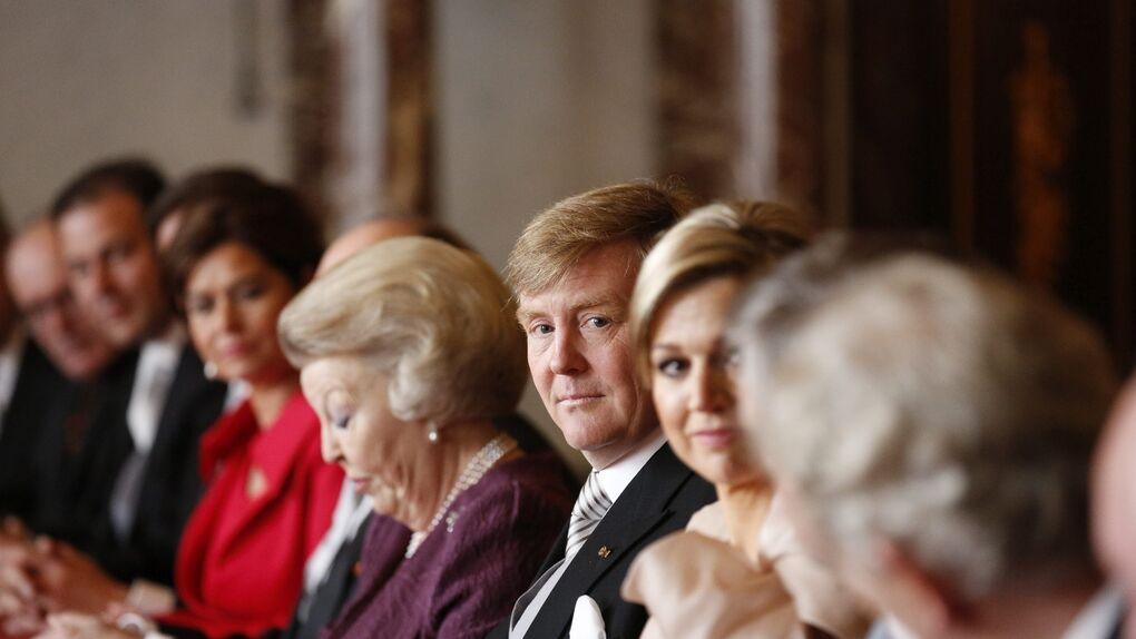 Beatriz de Holanda cede la jefatura del estado neerlandés a su hijo Guillermo Alejandro