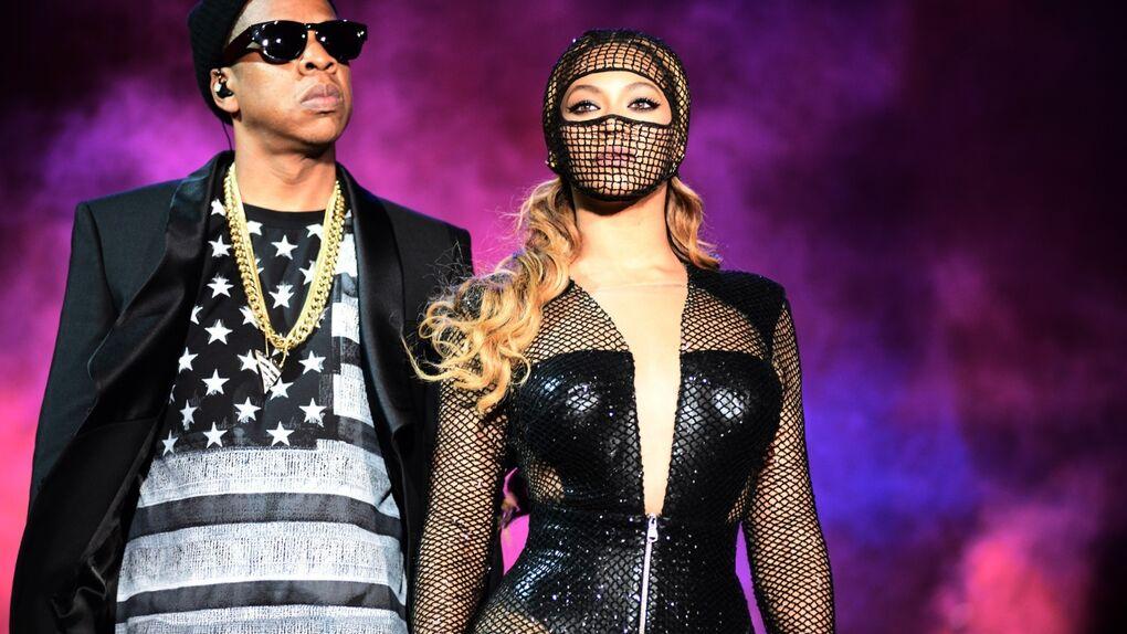 Beyoncé 'la feminista' pone en pie de guerra… a las feministas