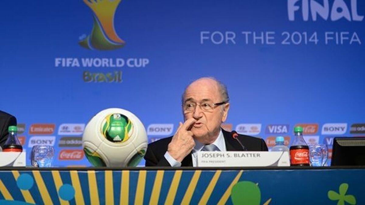 """La FIFA presenta una denuncia penal contra Blatter por """"presunta mala gestión delictiva"""""""